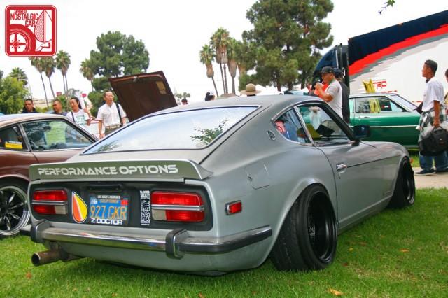JCCS2011-614dan_NissanFairladyZ_Datsun240Z_WorkEquip03StarRoad