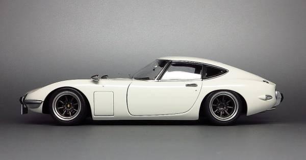 1:18 Toyota 2000GT custom 07