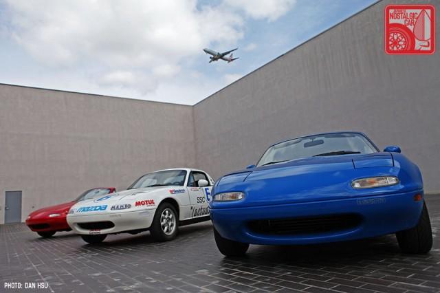 11-6183_Mazda MX5 Miata_Chicago Auto Show 02