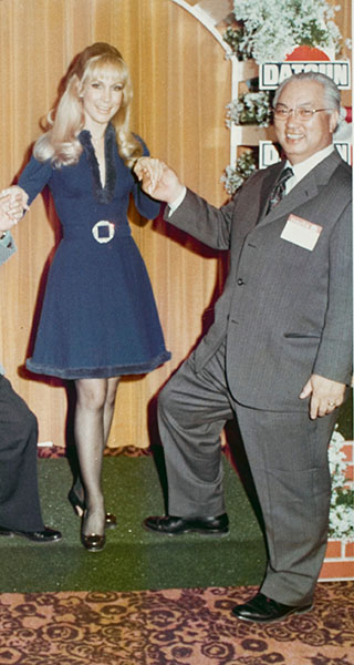 Mr K & Barbara Eden I dream of Jeannie