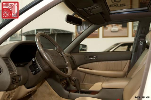 036_LexusLS400-interior