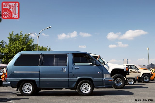 1012-BH3121_Toyota Van TC220
