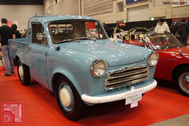 117-DL065_Datsun 220 Classic Car Nagoya