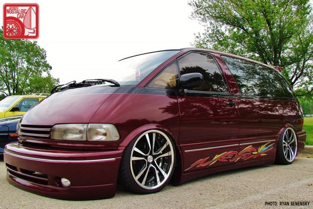 Toyota RedPreviaFront1