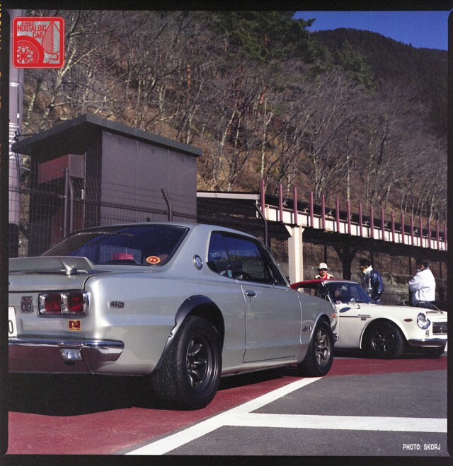 S2-Sk407_NissanSkylineC10Hakosuka_DatsunFairladyRoadster