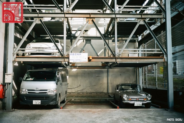 Parking in Japan 03 Stacking Lot - Honda S800