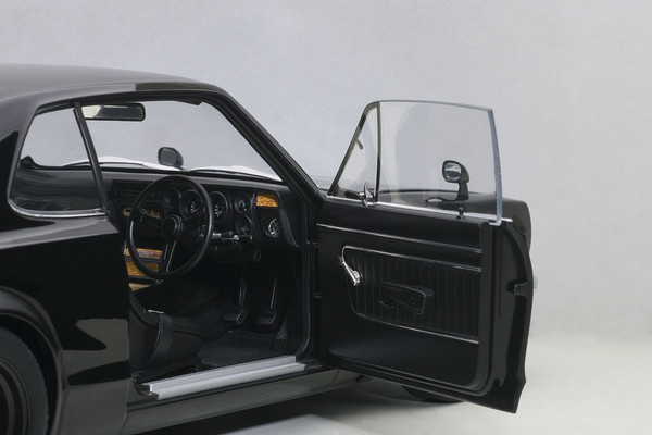 Autoart Nissan Skyline GT-R Hakosuka KPGC10 - black 05