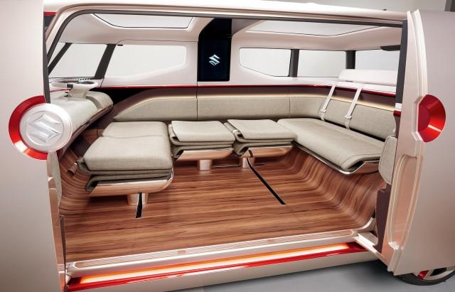 Suzuki Air Triser interior lounge