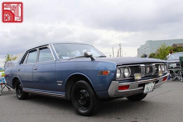 0671_Nissan Cedric 330
