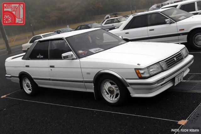 YI2667_ToyotaMarkIIX70