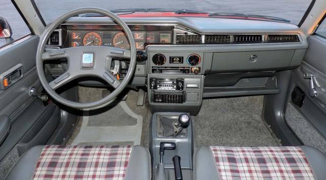 Front interior EA81 GL Wagon