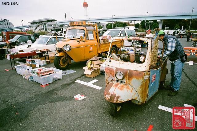 087-R3a-887a_Daihatsu Midget & Mazda T1500