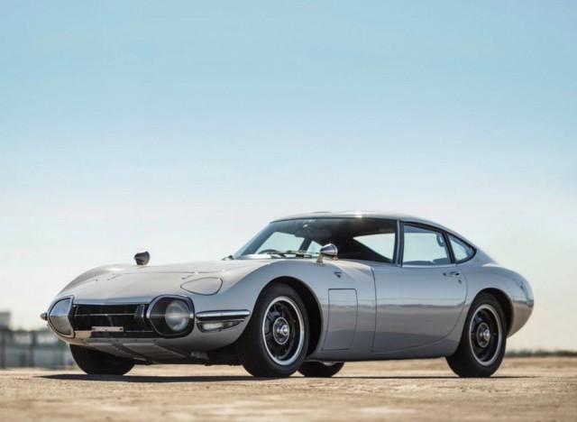 1967 Toyota 2000GT 2016 RM Scottsdale 01