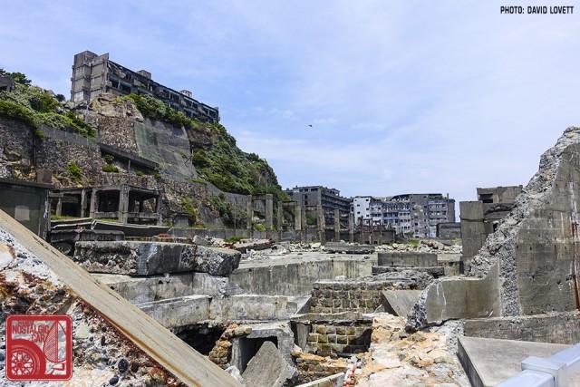2398_Gunkanjima Battleship Island