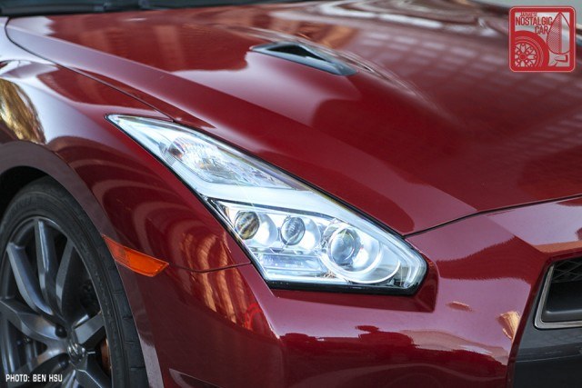 33_NissanGTR-R35_SkylineC10Hakosuka_headlight