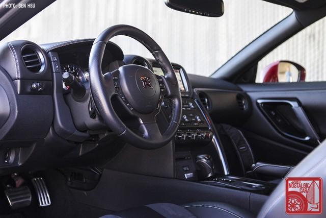 69_NissanGTR-R35_SkylineC10Hakosuka_interior