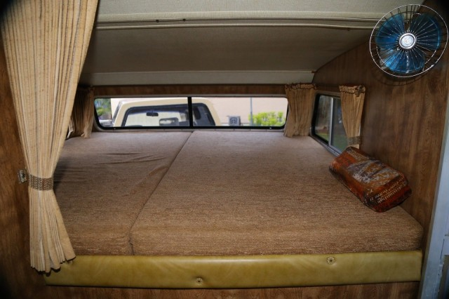1981 Toyota Hilux Dually camper 07