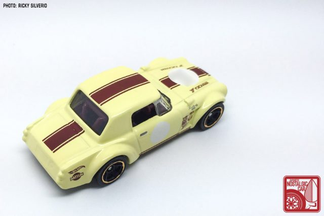 38-Nissan Datsun Fairlady 2000 Hot Wheels 2017