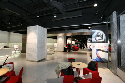 nissan-ginza-showroom050.jpg