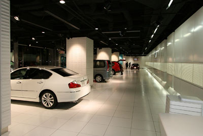 nissan-ginza-showroom052.jpg