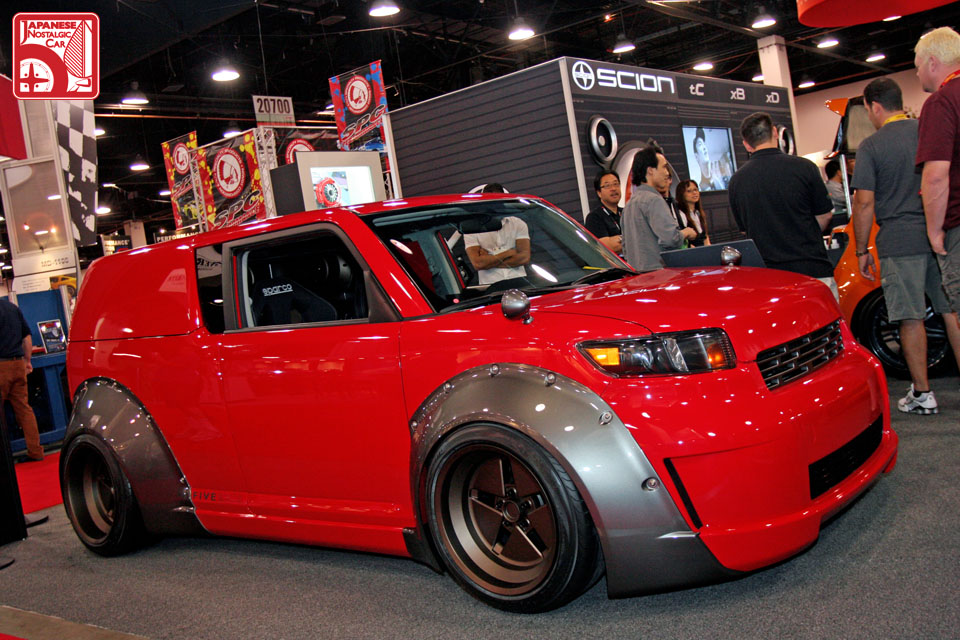 sema2009_073_scion_xb