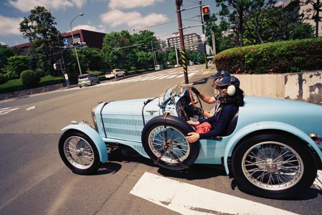 nostalgic car shopping in yokohama japanese nostalgic car. Black Bedroom Furniture Sets. Home Design Ideas