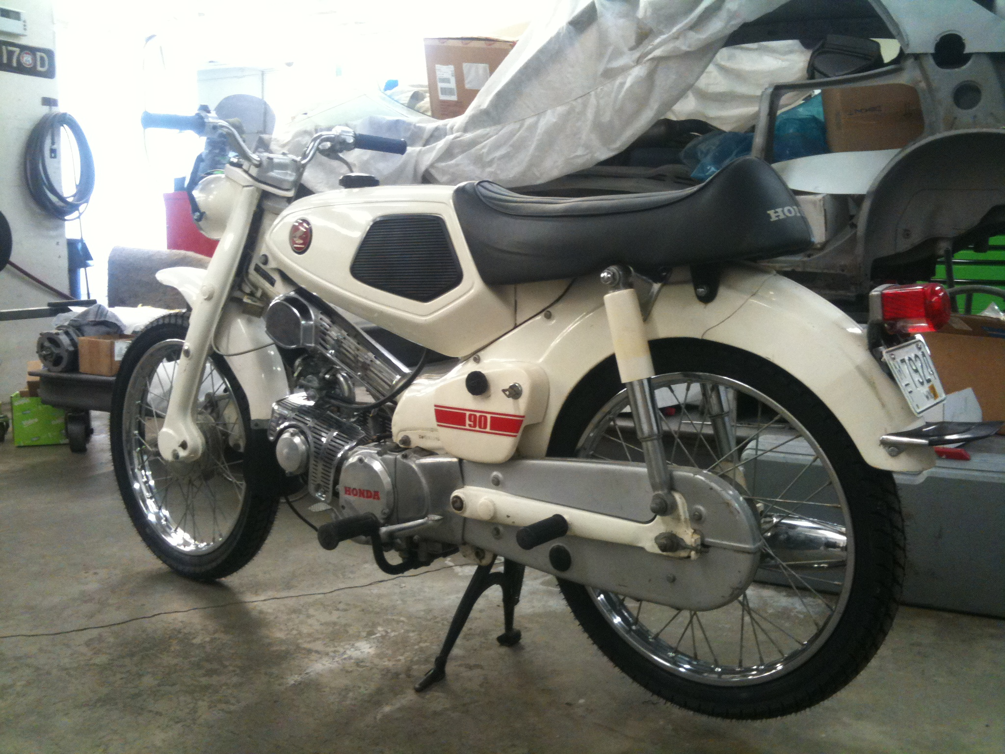 Partslist further Honda Wiring Diagram On Vintage Motorcycle Tail Light further  on old honda cm91 wiring diagrams