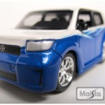 maisto-55 scion xb - white, blue