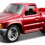 maisto-55 toyota pickup - red