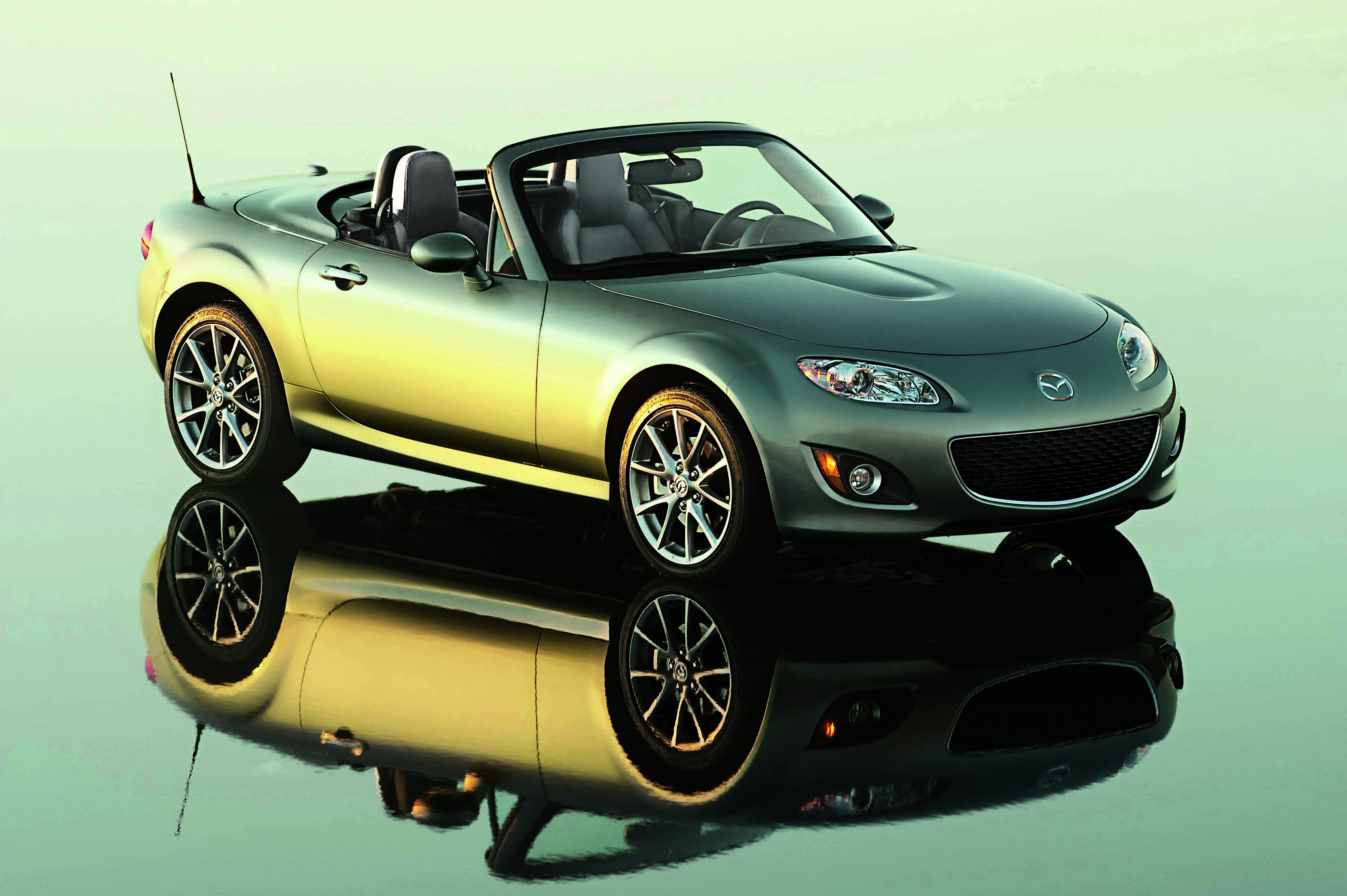 900 000 mazda mx 5 roadsters and counting japanese nostalgic car. Black Bedroom Furniture Sets. Home Design Ideas