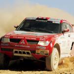 2003 Mitsubishi Pajero Dakar 01