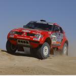 2004 Mitsubishi Pajero Dakar 01