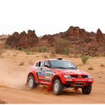 2004 Mitsubishi Pajero Dakar 02