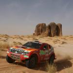 2007 Mitsubishi Pajero Dakar 01
