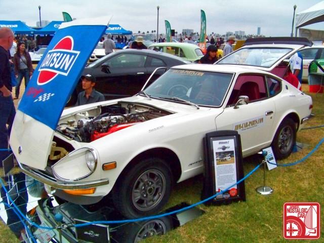 JCCS2011-586john_NissanFairladyZ_Datsun240Z