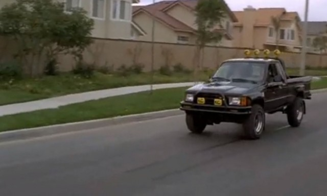 Marty Mcfly Truck >> Marty Mcfly S Back To The Future Toyota Pickup Getting A
