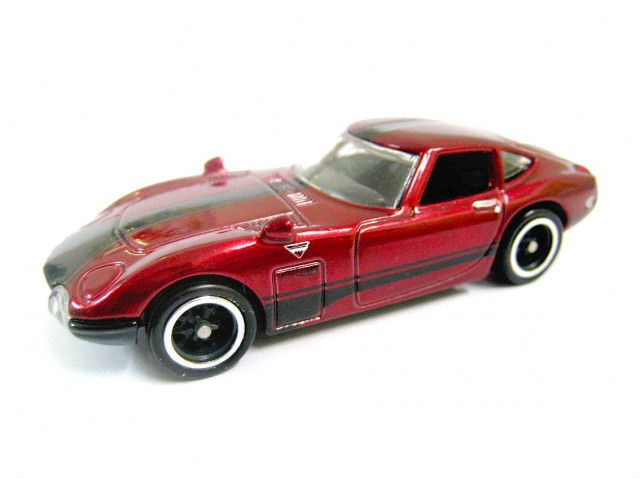 Hot Wheels 2013 Toyota 2000GT Super Treasure Hunt 01