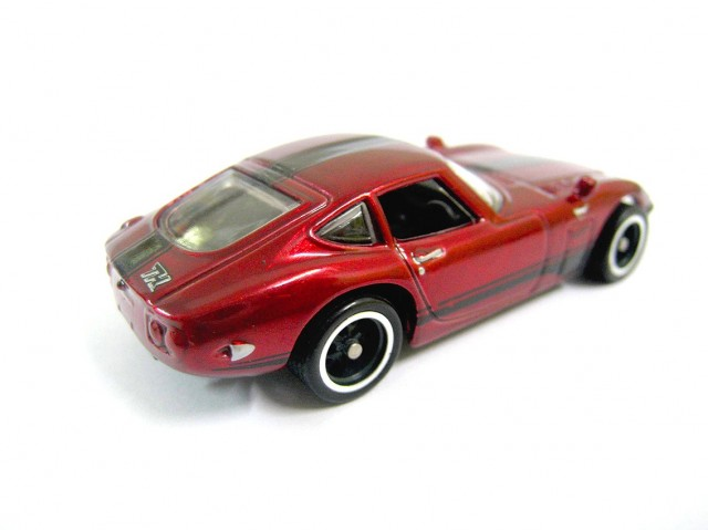 Hot Wheels 2013 Toyota 2000GT Super Treasure Hunt 02