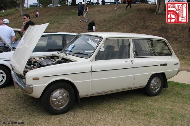 0791_Mazda-Familia-wagon