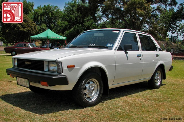 1416_Toyota-Corolla-E70