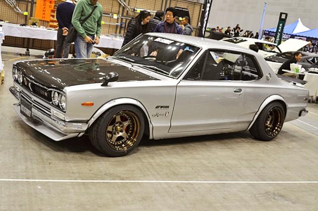 n2d033_Nissan Skyline KGC10 RS Start