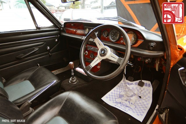 18_Isuzu-Bellett-GT_interior
