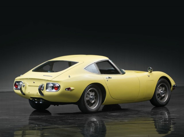 1967 Toyota 2000GT belatrix yellow 03
