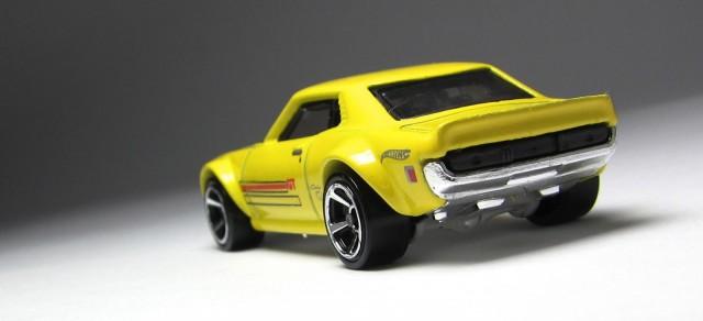 Hot Wheels 2013 1970 Toyota Celica yellow 03