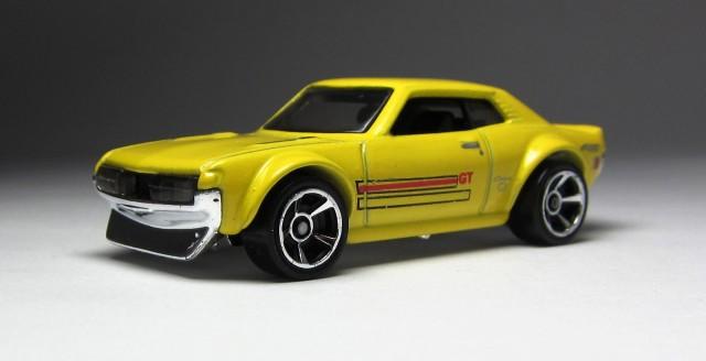 Hot Wheels 2013 1970 Toyota Celica yellow 04