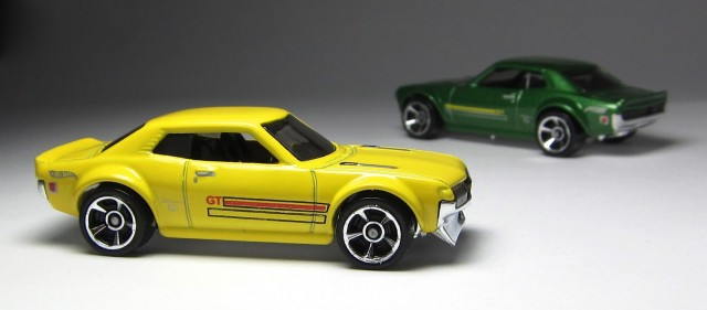 Hot Wheels 2013 1970 Toyota Celica yellow 05