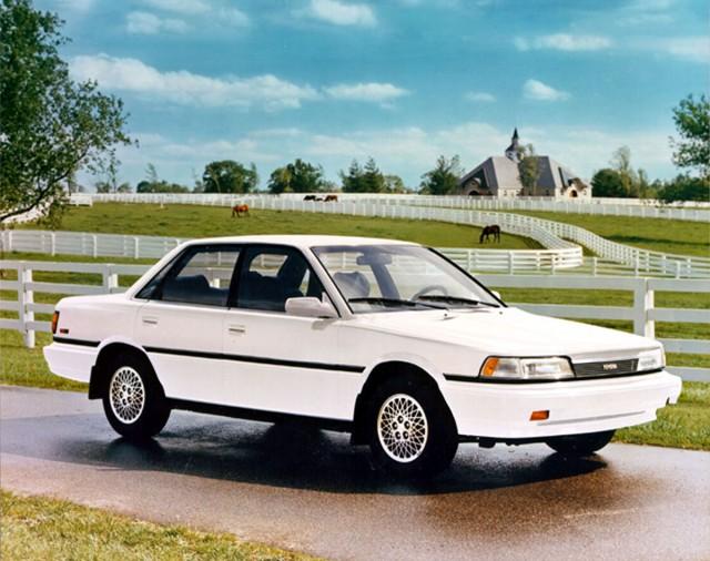 1988_Camry_sedan-3