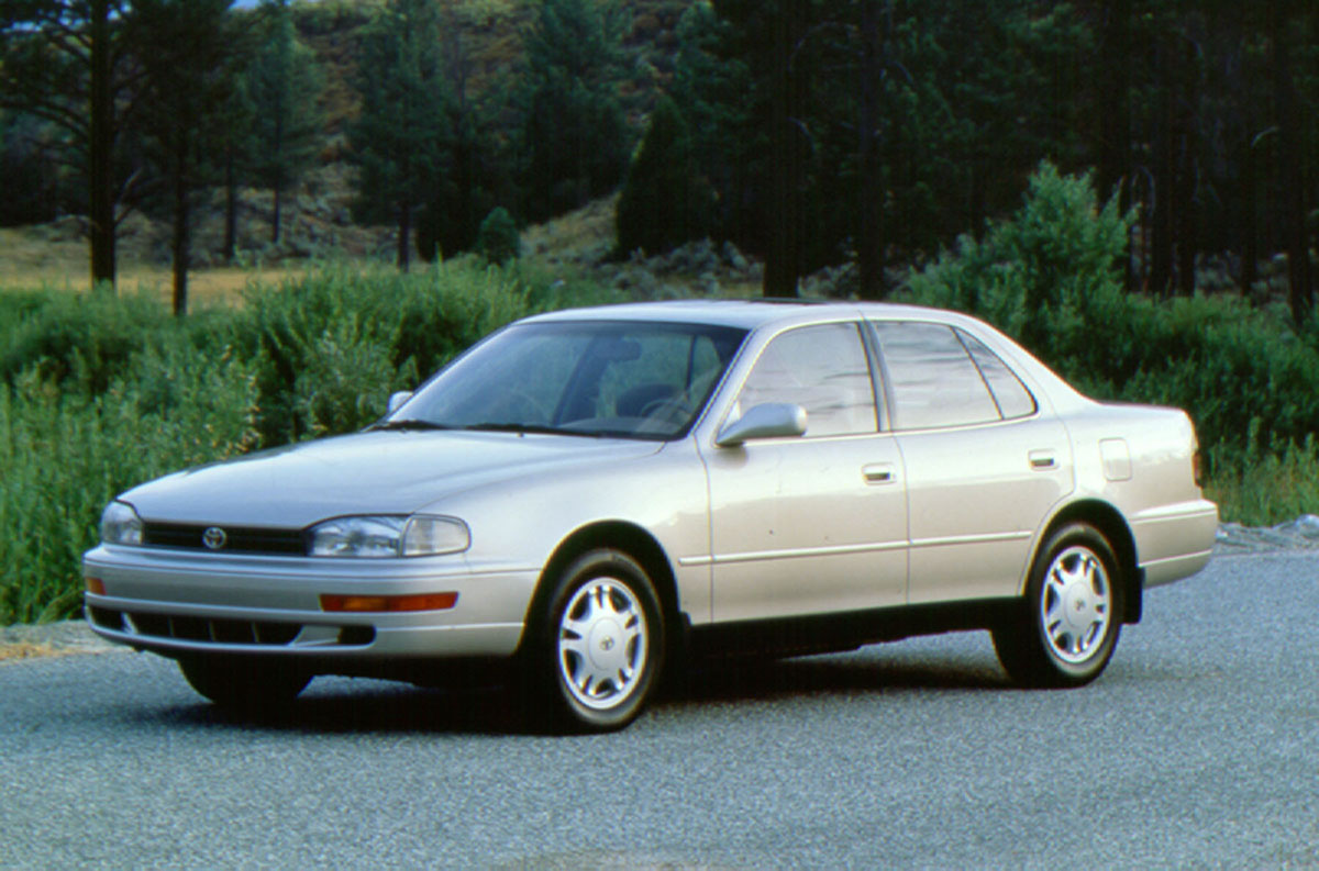 news the toyota camry 30 years old 10 million cars. Black Bedroom Furniture Sets. Home Design Ideas