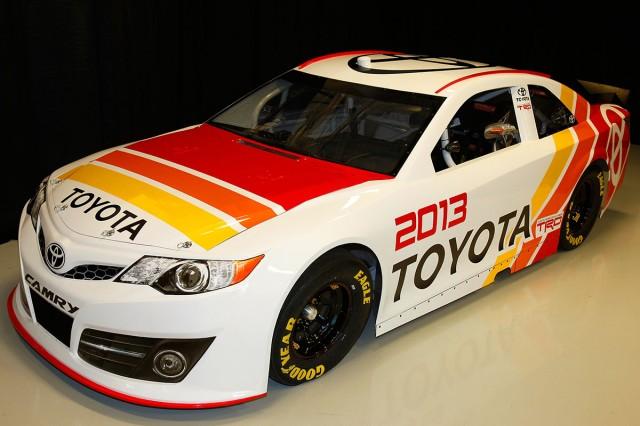 2013_NASCAR_Camry_005