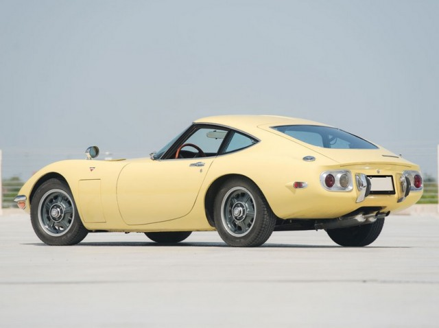 1968 Toyota 2000GT RM Auctions01